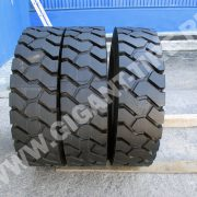 tire-Michelin-10-00R20-XZM-8