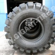 tire-bridgestone-d-lug-40-65-39-3
