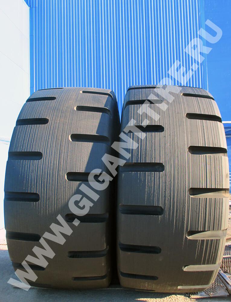 OTR tire Bridgestone D-Lug 45/65-45 retread